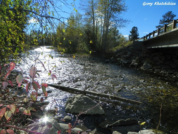 Fall colors by Rock Creek in Roberts, Montana