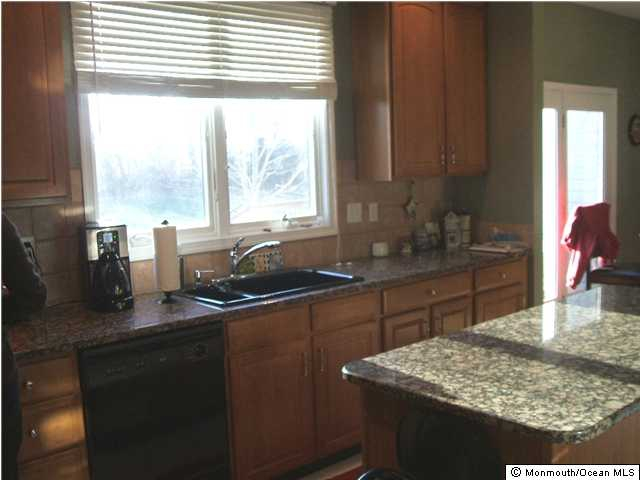 Howell NJ Houses for Sale kitchen