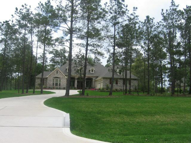 The Village of High Meadow Ranch has 160 one acre homesites.