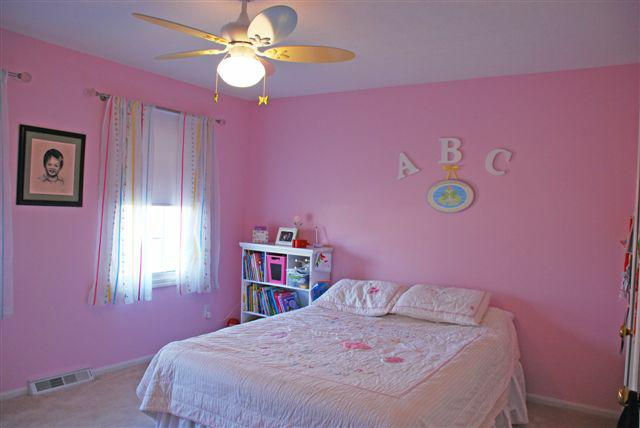 6526 Woodbury Drive Solon Ohio bedroom