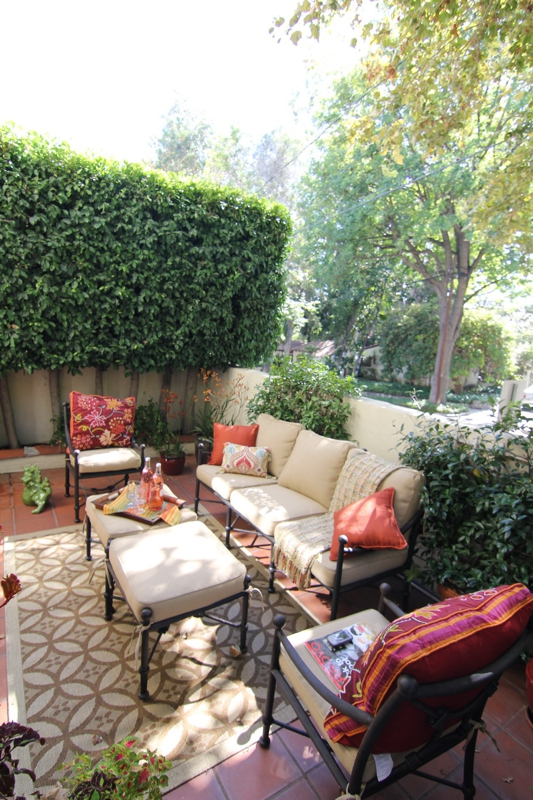 Highlight Your Pasadena Area Townhouse Patio