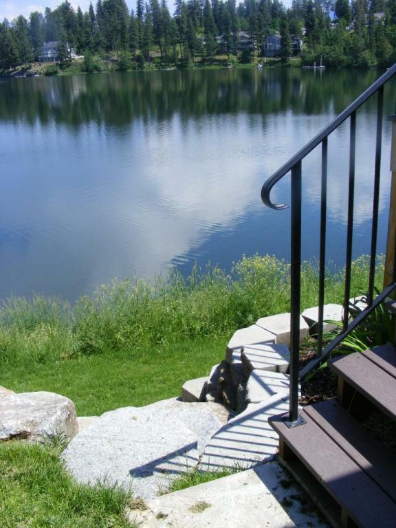 Homes for Sale on Avondale Lake