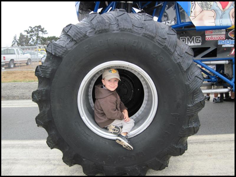 Truck Tires: Monster Truck Tires