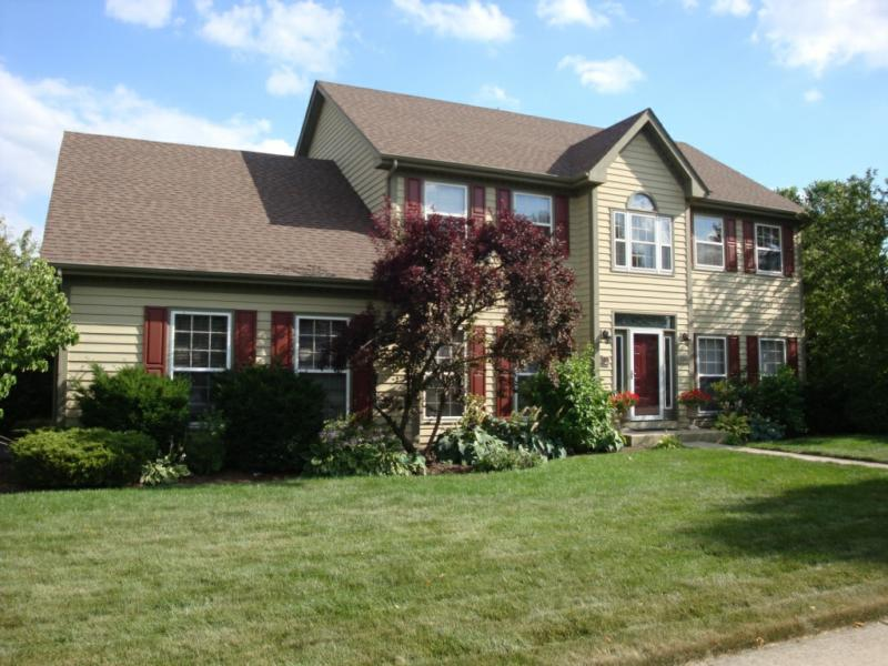 thackery court naperville il and remax