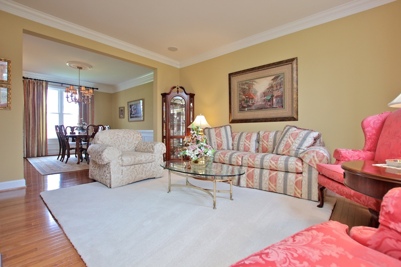 3807 Bell Manor Ct Falls Church Virginia Living Room