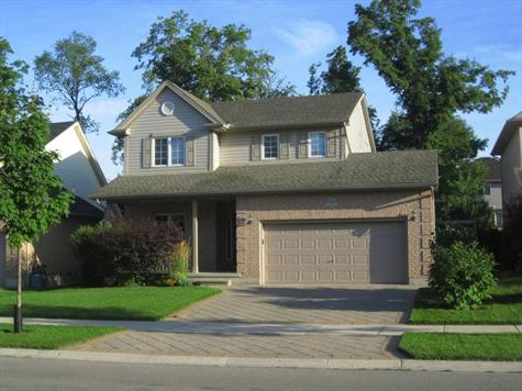 Stoney Creek House in London Ontario Just Listed