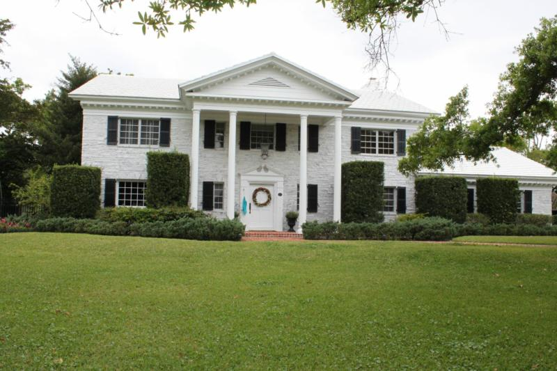 Spacious two story traditional and ranch homes located in for Southern homes florida