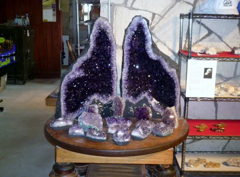Amethyst at the gift shop at Cave Without a Name