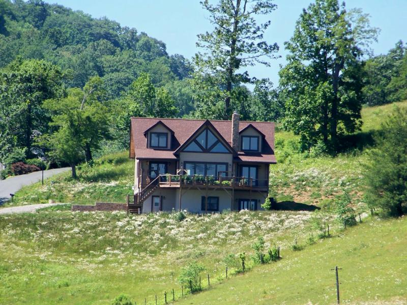 Boone NC Mountain Home, Boone NC Real State for Sale, Boone NC View Home, Boone NC Property,