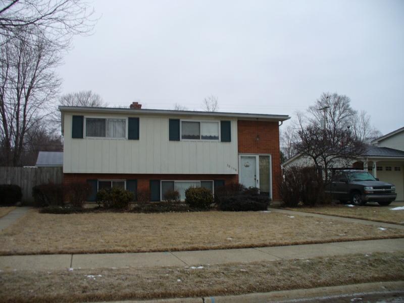 Livonia bi-level homes