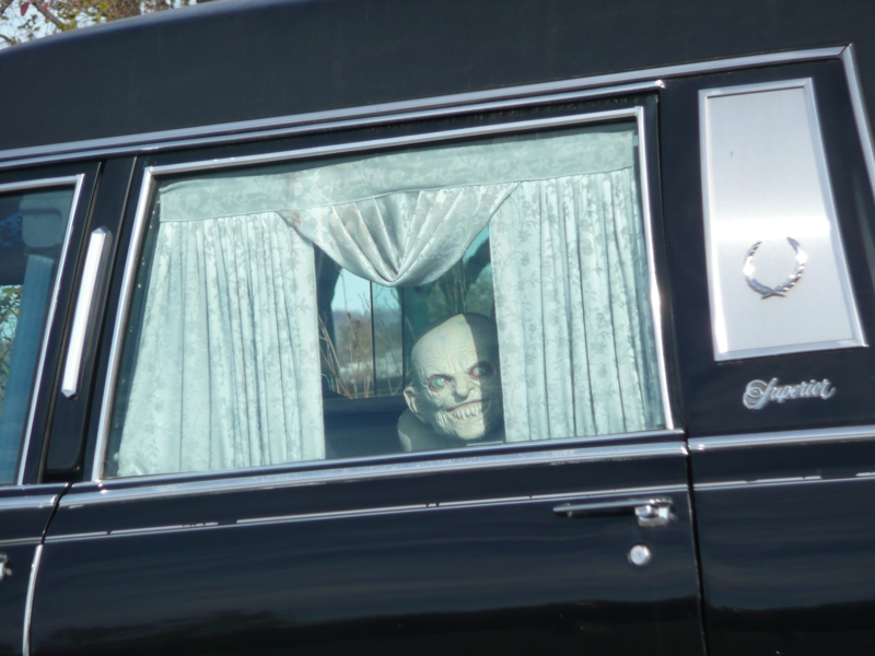 Skelton in a limo
