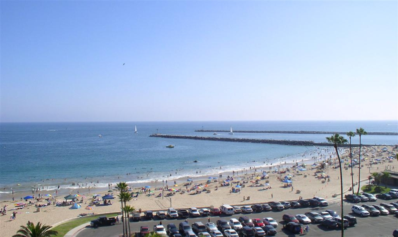 Corona del Mar main beach