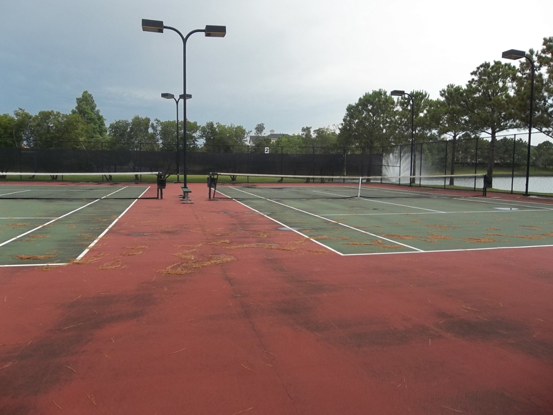Lakes on Eldridge Tennis Courts