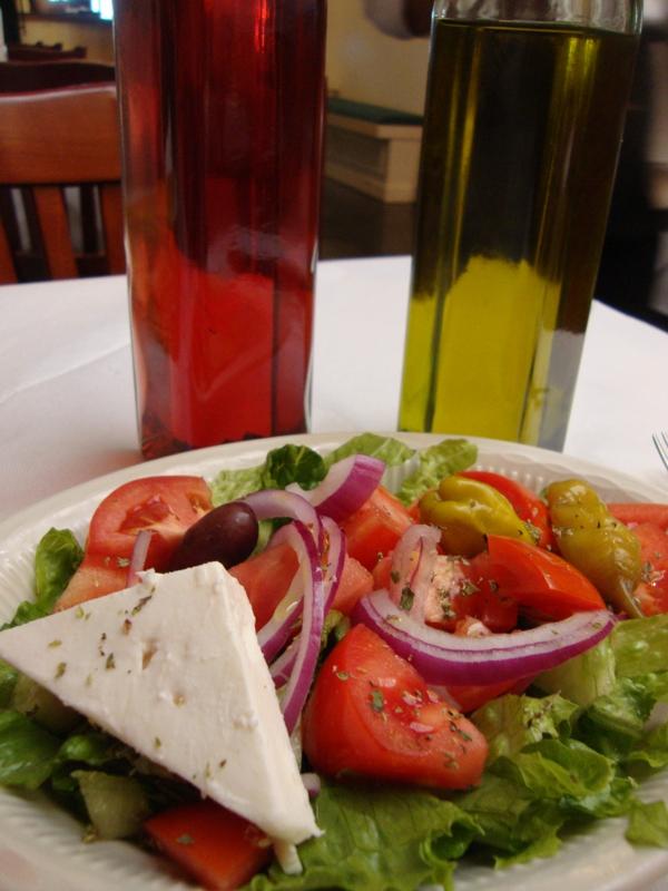 Bahari estiatorio greek restaurant astoria ny 11106 for Astoria greek cuisine