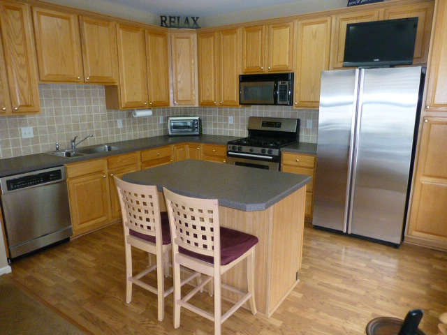 Condos at knob hill manalapan nj 07726 for Kitchen cabinets 07726