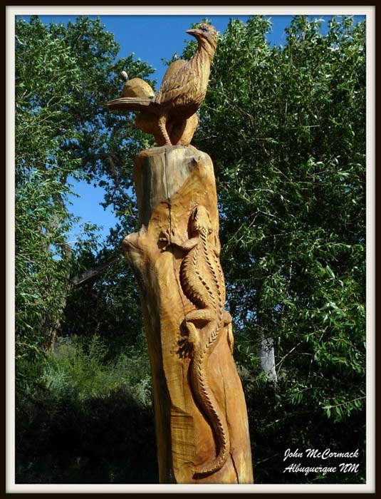 Carving of Roadrunner and Lizard