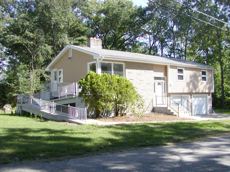 40 Indian Run Road Bellingham Ma Home For Sale With