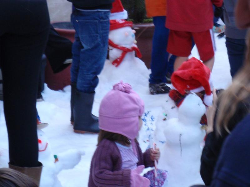 snowman building competition