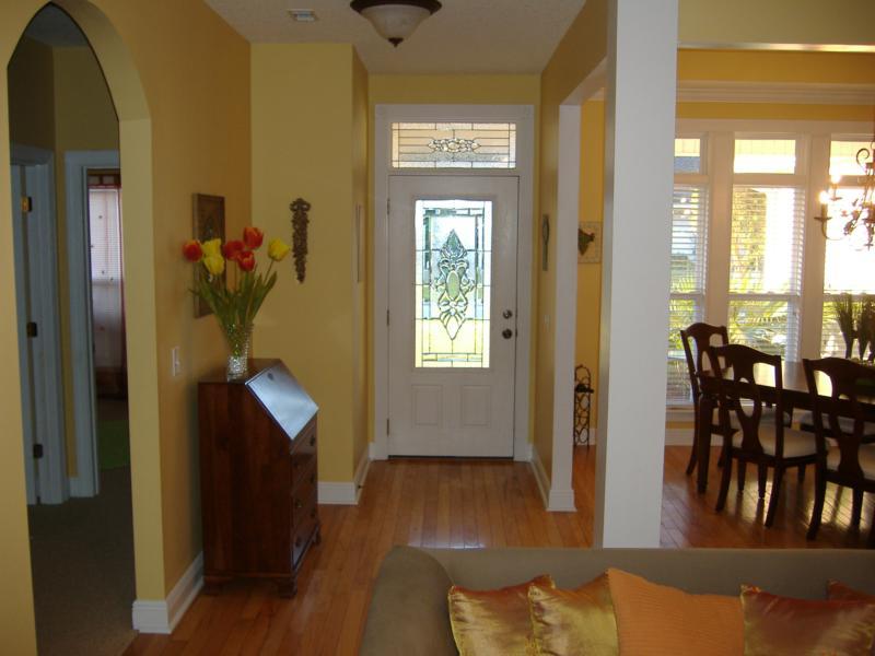 Foyer In Open Floor Plan : Entryways hardwood home decoration club