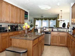 Pearland Home Kitchen