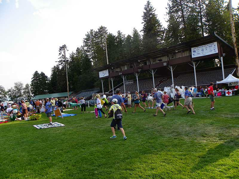 The mad rush of people at the opening of the Festival at Sandpoint