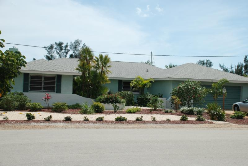 5530 Wikkiam Dr, Fort Myers Beach