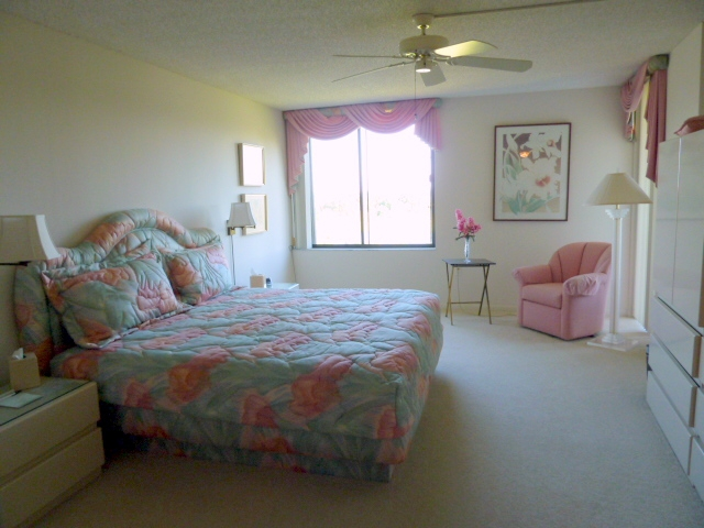 west palm beach pet friendly condo