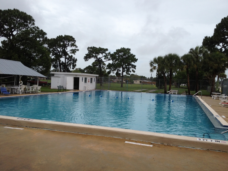community-pool-in-venice-gardens-venice-fl