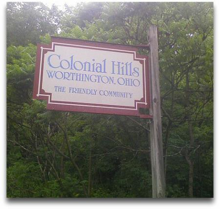 Colonial Hills sign