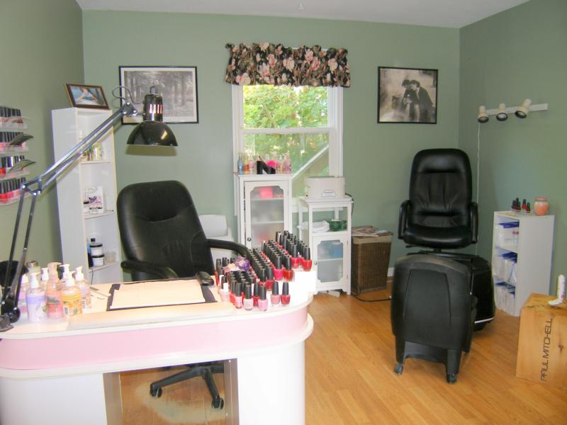 beauty - Nails Salon Design Ideas