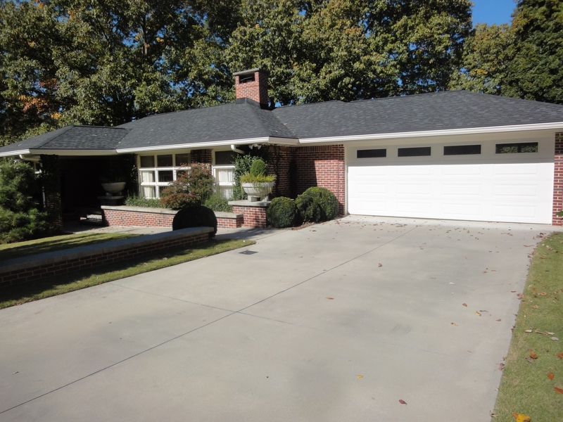 Garden hills rental homes 2013 2520 sharondale dr atlanta ga 30305 for Homes for rent in garden city ga