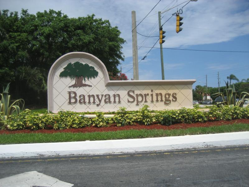 gated community boynton beach pet friendly