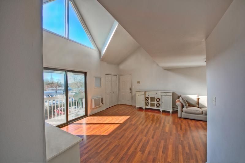 Lyndhurst NJ 2 Bedroom Condo For Sale - ERA Justin Realty