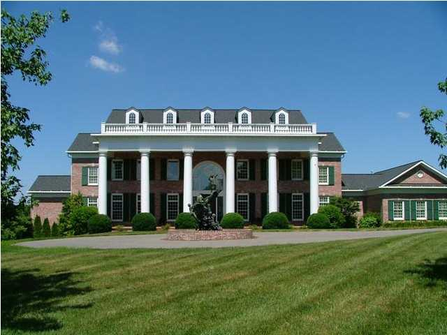 Selling luxury homes in louisville prospect for Home builders kentucky