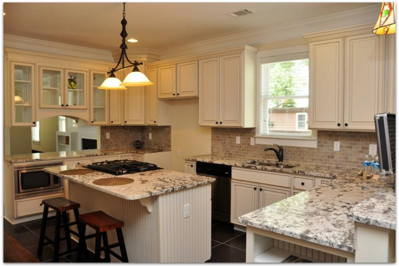 Why beautiful kitchens help sell homes for Kitchen design help