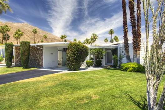 Great buying opportunity in palm springs mid century for New mid century modern homes palm springs