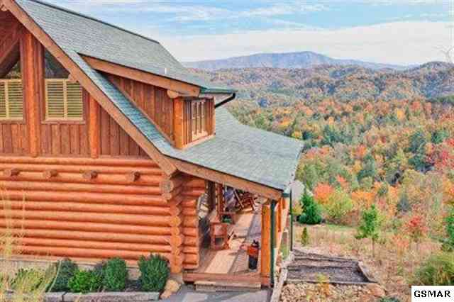 Log Cabin in the Smokies with Mountain Views