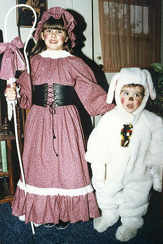 Homemade halloween costume ideas think out of the box little bo peep and her lamb solutioingenieria Image collections