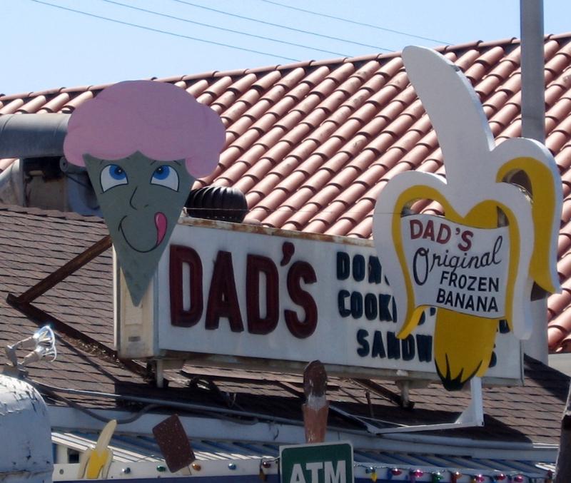 Dad's Donuts Balboa Island