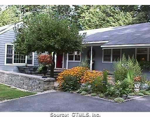 Simsbury Cul-De-Sac Home For Sale