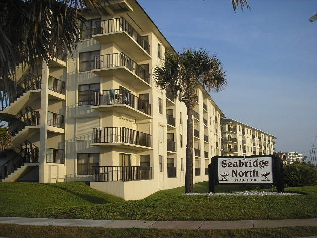 Ormond By The Sea Florida Seabridge North Condo for Sale $149,900
