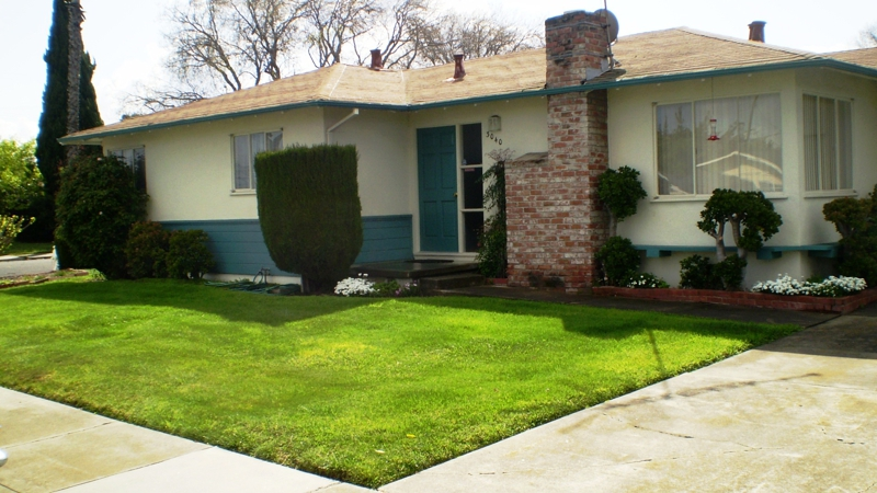 Centrally located Santa Clara home near Wilcox High School - Move in before Memorial Day weekend!