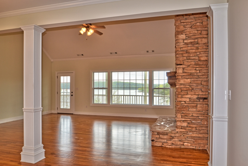 Lake Oconee 1871 Northwoods great room