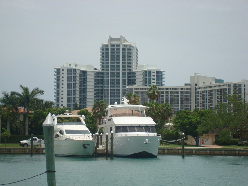 Bal Harbour Village marina
