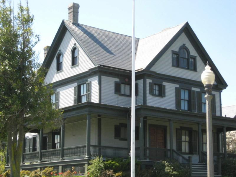 IMAGE OF COMMANDER'S HOUSE PORT TOWNSEND
