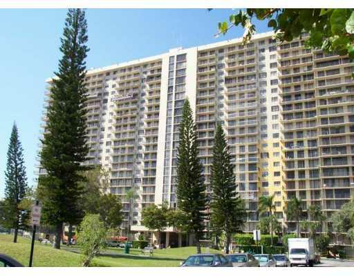 Winston Towers 700 Sunny Isles Beach SIB Realty 305-931-6931