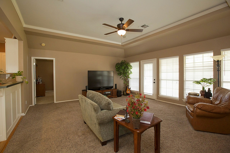 Living Room 8705 N 125th East Avenue, Central Park, Owasso Oklahoma