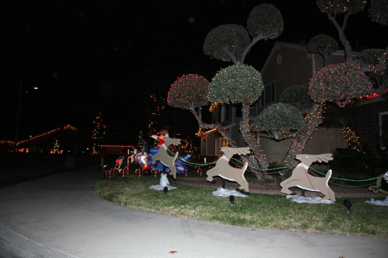 Eastside Costa Mesa Christmas Lights