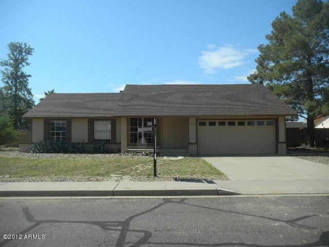 3233 E Emerald CIR Mesa, AZ 85204