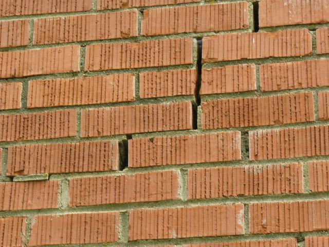 brick veneer cracks